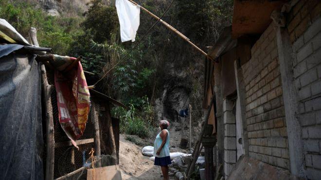 Guatemala'nın beyaz bayrakları salgının ölümcül yan etkisine işaret ediyor: Açlık