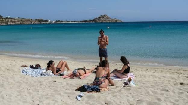 Yunanistan turist kabul edeceği 29 ülkeyi açıkladı, listede olmayan tek komşusu Türkiye