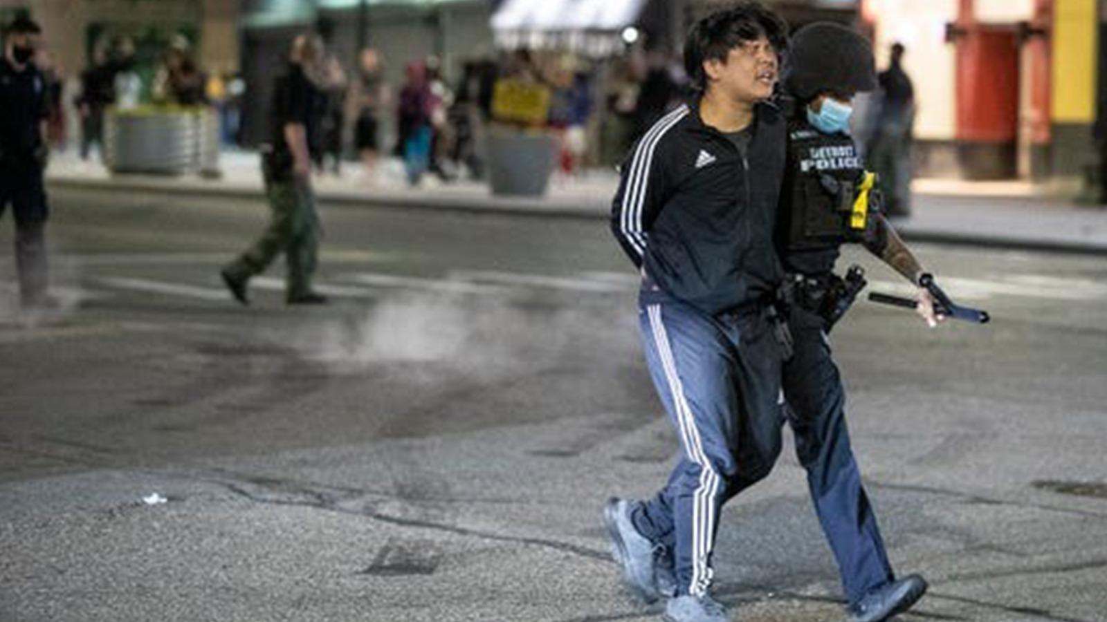 George Floyd protestoları: Detroit'te kalabalığa ateş açıldı, bir kişi hayatını kaybetti