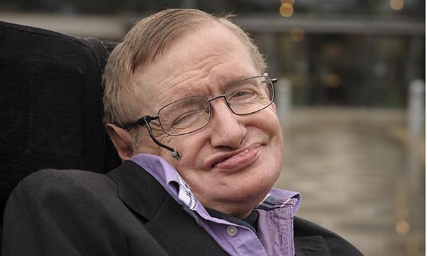 Stephen Hawking ismini tescil ettiriyor