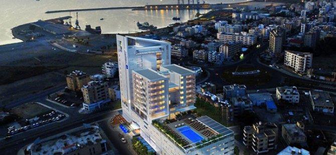 Larnaka'ya İki Yeni Otel