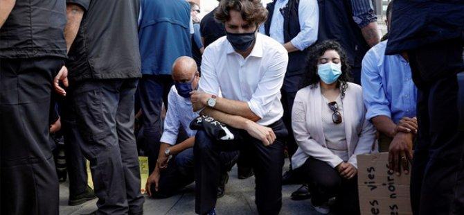 Kanada Başbakanı Trudeau, Floyd anısına diz çöktü