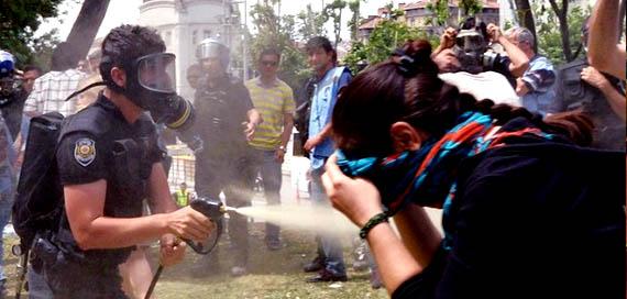 Taksim'de sabaha karşı polis müdahalesi