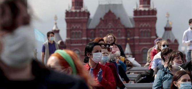 Rusya'da Kovid-19 Vaka Sayısı 856 Bini Geçti