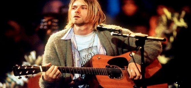 Cobain'in 'efsane gitarı' rekor fiyata satıldı