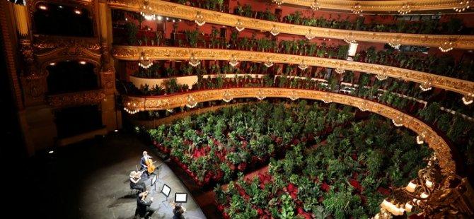 İspanya, opera binasının açılışını 2 bin 300 bitkiye konser vererek yaptı