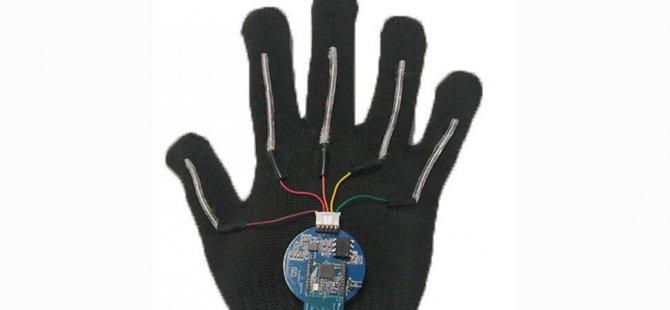 İşaret dilini anında konuşma diline çeviren eldiven icat edildi