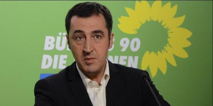 Alman Yeşiller Partisi'nden Cem Özdemir Alman faşistlerinin ölüm listesinde