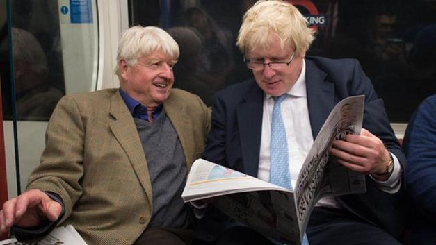 Boris Johnson'ın babası 'seyahat uyarısına' aldırmadan Yunanistan'a uçtu