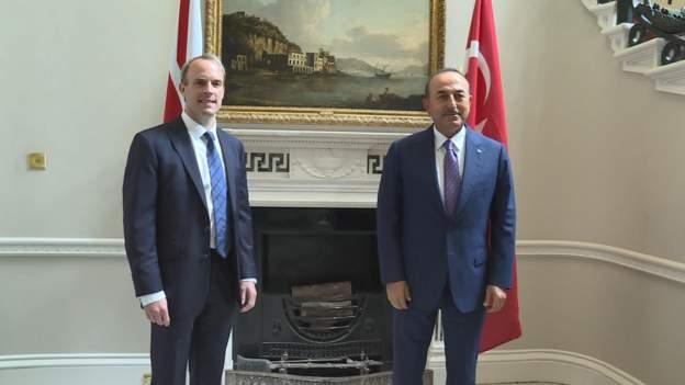Çavuşoğlu Londra'da İngiliz mevkidaşı Raab ile görüştü: İngiltere, Brexit sonrası için arayış içinde