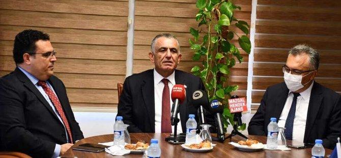 """Eğitim Bakanı Çavuşoğlu: """"DAÜ yüksek eğitimin lokomotifi… Göz bebeğimiz"""""""