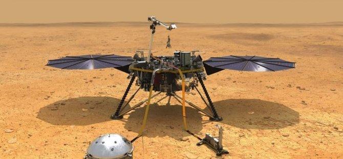 NASA'nın Mars'taki delicisi Köstebek, toprak altında sıkıştı