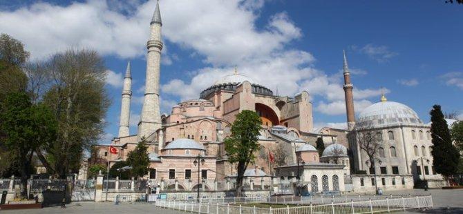 Erdoğan, Ayasofya'nın ibadete açılması kararını imzaladı