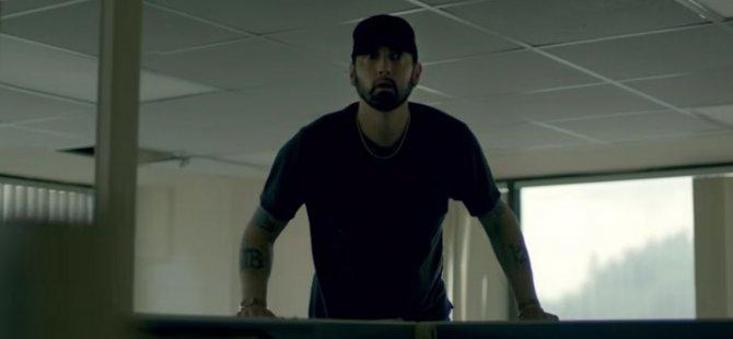 Eminem'den ırkçılara ve Trump hükümetine diss