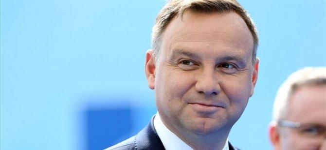 Polonya'da Seçimi DUDA Kazandı