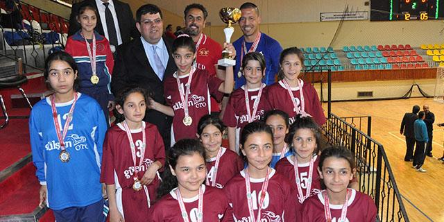 Okullarımız Kupa için Türkiye'de