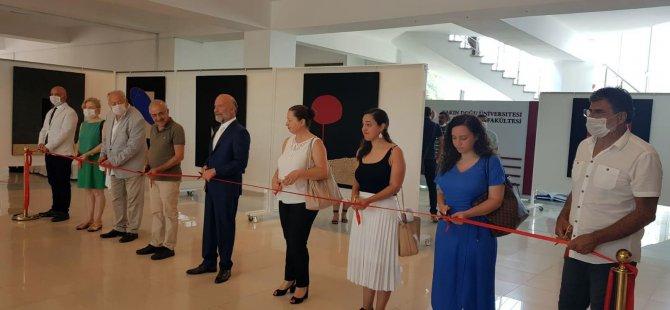 """27 resim ve 4 parçadan oluşan heykeli ile """"Varoluşa Dokunmak"""" adlı kişisel sergisi açıldı"""