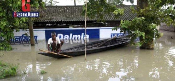 Hindistan'ın Assam Eyaletinde Sel Ve Toprak Kaymalarında Ölenlerin Sayısı 61'e Yükseldi