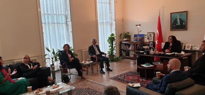 İngiltere Kıbrıs Türk Dernekleri Konseyi, KKTC Londra Temsilcisi Büyükelçi Tuncalı'yı ziyaret etti