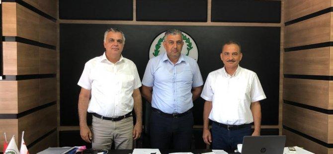 Yakın Doğu Koleji Yetkilileri Akdoğan ve Beyarmudu Belediye Başkanlarını Ziyaret Ederek Eğitim Faaliyetleri Hakkında Bilgiler Aktardı…