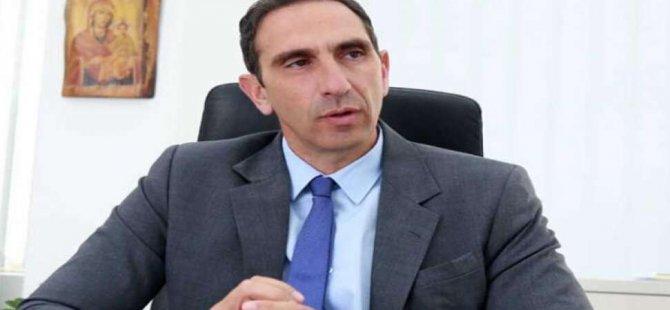Rum Sağlık Bakanı önce 'Covid aşısı zorunlu olmalı' dedi, sonra geri adım attı