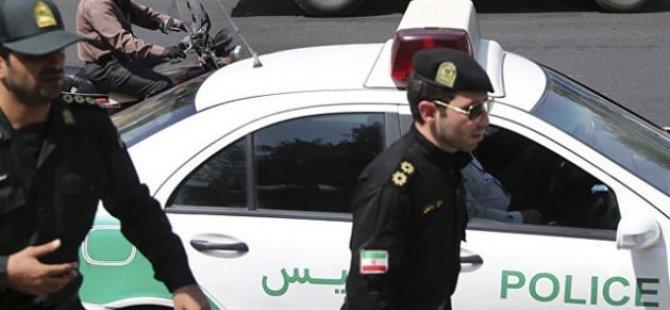 İran'ın başkenti Tahran'da Kurban Bayramı kutlamaları sırasında Taliban bayrağı açtıkları gerekçesiyle 19 Afganistan vatandaşı gözaltına alındı.