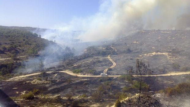 Limasol-Baf sınırında çıkan yangın kontrol altına alınamıyor…