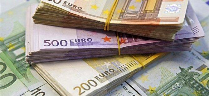 Faiz kararı sonrası dolar, euro ve sterlin tarihi zirvelerini yeniledi