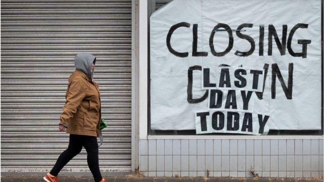 İngiltere ekonomisi 2. çeyrekte yüzde 20,4 küçülerek 11 yıldır ilk kez resesyona girdi