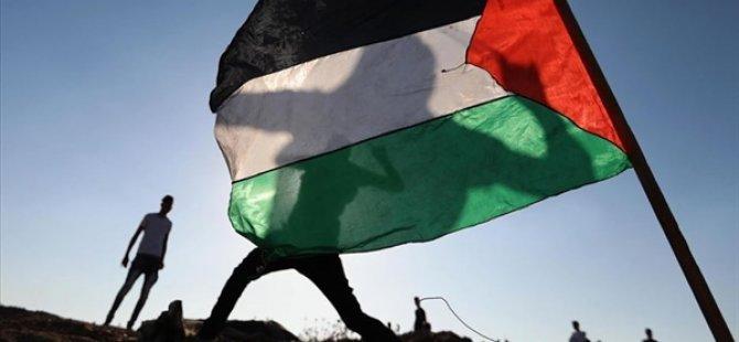 Filistin, BAE-İsrail Normalleşme Anlaşmasına Tepki İçin Abu Dabi'deki Büyükelçisini Geri Çekti
