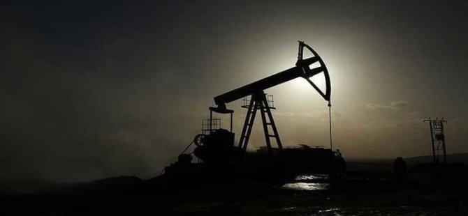 Hafter, Libya petrolüne uyguladıkları blokajı kaldırma kararının geçici olduğunu duyurdu