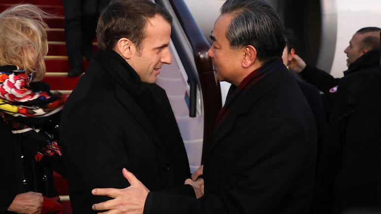 Macron'dan Çin Dışişleri Bakanı Wang Yi'ye: Uygur Müslümanlarına baskıcı tutumu endişeyle izliyoruz