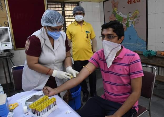 Hindistan'da 83 binin üzerinde yeni koronavirüs vakası tespit edildi