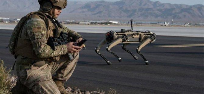 """ABD Ordusu Üs Güvenliği İçin """"Robot Köpekleri"""" Test Etti"""