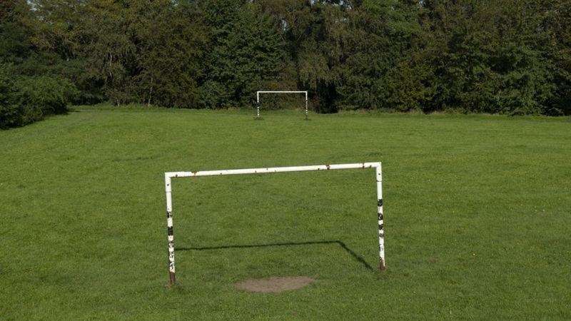 Almanya: Maçta sosyal mesafeyi koruyan futbol takımı 37-0 yenildi