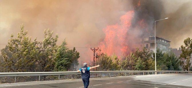 Hatay'da yangın yeniden yerleşim birimlerine sıçradı