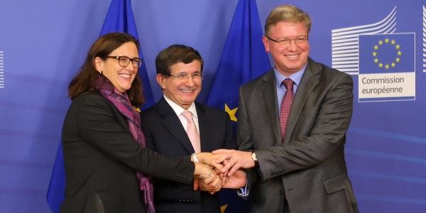 Fule: Kıbrıs'ta kapsamlı bir çözüm önemlidir