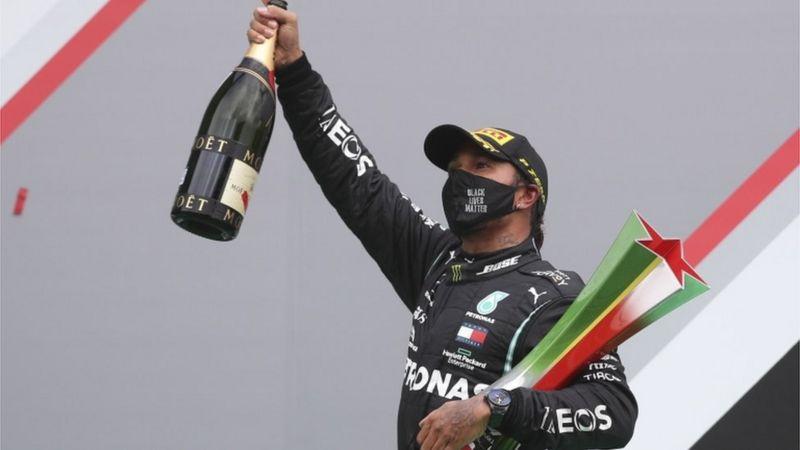 Lewis Hamilton Formula 1'de Michael Schumacher'in birincilik rekorunu kırdı