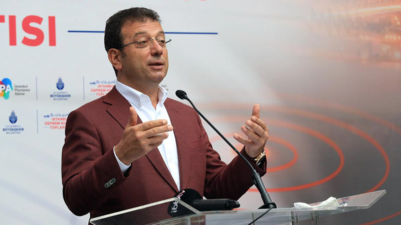 İmamoğlu: Bakanlık ısrarla Osmanlı mirası yapıyı yıkıyor, ilgililer hakkında suç duyurusunda bulunacağız