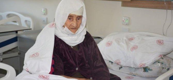 Şırnak'ta 120 yaşındaki kadın koronavirüsü yendi
