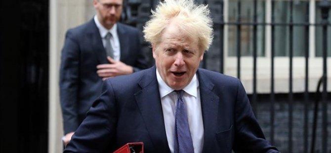 İngiltere Başbakanı Johnson Kendisini Karantinaya Aldı