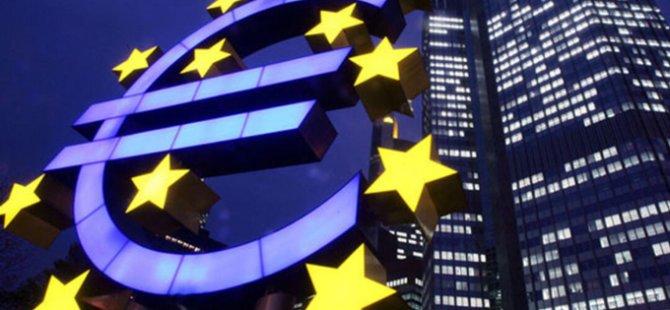 """Euro Bölgesi'nde Yıllık Enflasyon """"Sıfırın Altında"""" Kaldı"""