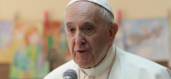 Papa'nın sosyal medya hesabından bir modelin fotoğrafı beğenildi'' Vatikan soruşturma başlattı