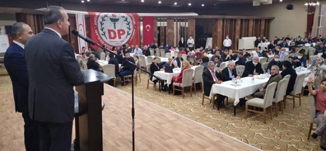 Demokrat Parti Girne'de 300 kişinin partiye katıldığını duyurdu.