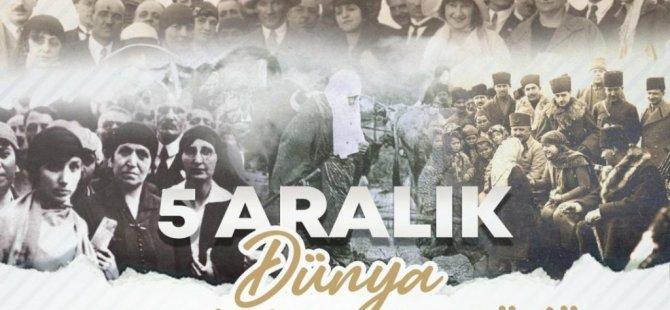 Kıbrıs Türk Kadınlar Birliği, Atatürk büstüne çelenk koydu