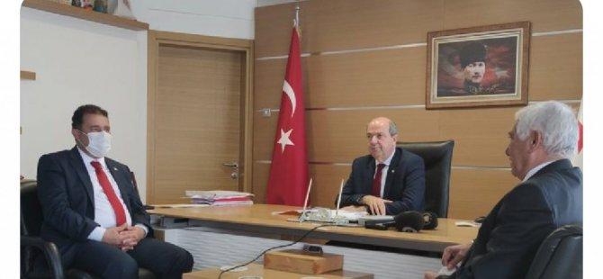 Cumhurbaşkanı Tatar ve Başbakan Saner Güzelyurt Belediyesini ziyaret etti