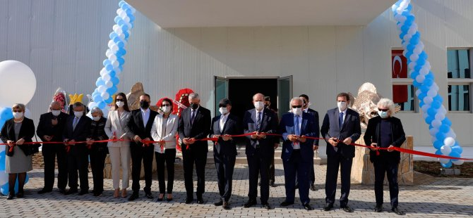 Girne Üniversitesi Sağlık Bilimleri Fakültesi'nin yeni binası törenle açıldı