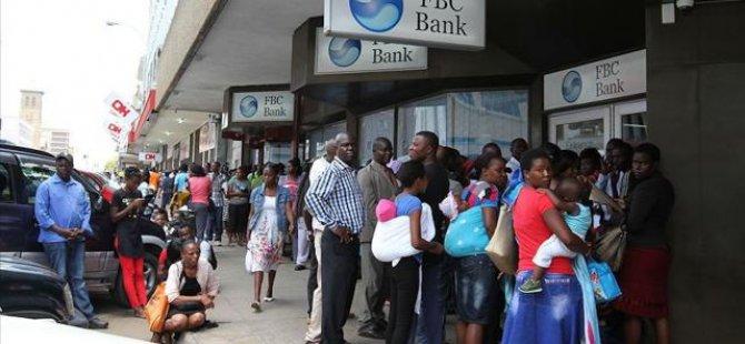 Zimbabve'de 10 Bin Kişiye ''İşe Gitmeden'' Maaş Verildiği Ortaya Çıktı
