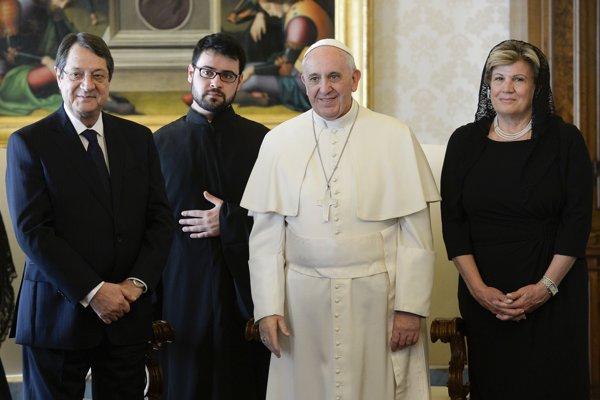 Vatikan Kıbrıs müzakerelerinin başlamasından memnun