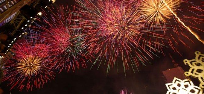 Το νέο έτος καλωσορίζεται στη σκιά της πανούκλας